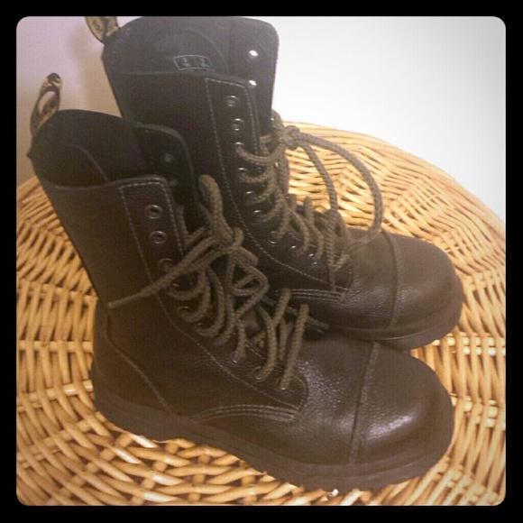 abfa9280d43 Doc Martens Ryan Unisex 10 - Eyelet Leather Boots